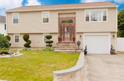 West Warwick Single Family Home For Sale: 2 Elbow St