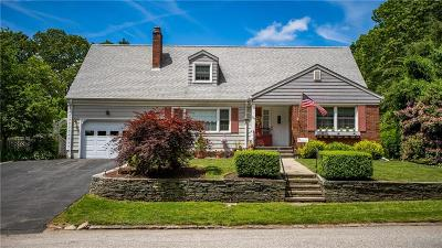 Cranston Single Family Home For Sale: 104 Chatham Rd
