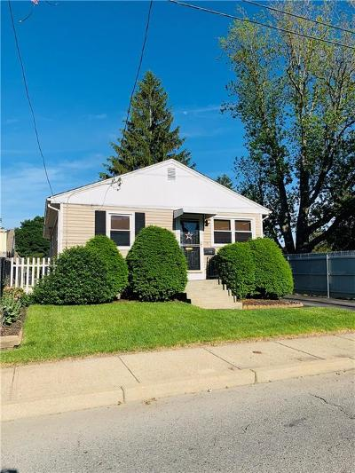 Cranston Single Family Home For Sale: 111 Midwood St