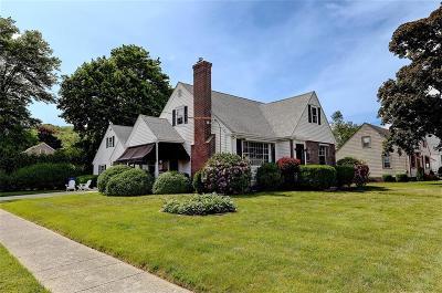 Lincoln Single Family Home For Sale: 75 Boulevard Av