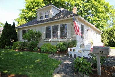 Bristol County Single Family Home For Sale: 39 Chachapacassett Rd