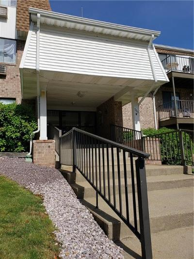 Warwick Condo/Townhouse For Sale: 752 Quaker Lane, Unit#b308 #B308
