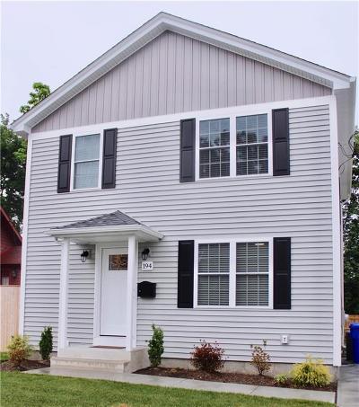 Pawtucket Single Family Home For Sale: 194 Rhode Island Av