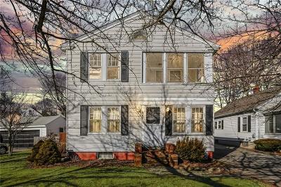 Barrington Single Family Home Act Und Contract: 467 Maple Av
