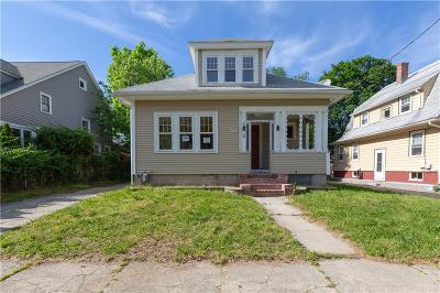 Cranston Single Family Home For Sale: 73 Moorland Av