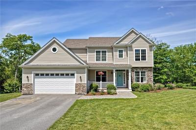 Tiverton Single Family Home For Sale: 220 Teaberry Lane