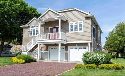 Westerly Single Family Home For Sale: 27 Fishermans Av