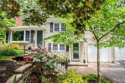 East Greenwich Single Family Home For Sale: 97 Grand View Rd