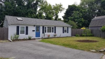 West Warwick Single Family Home For Sale: 6 Dunbar Ct