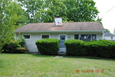 East Providence Single Family Home For Sale: 41 Leroy Dr