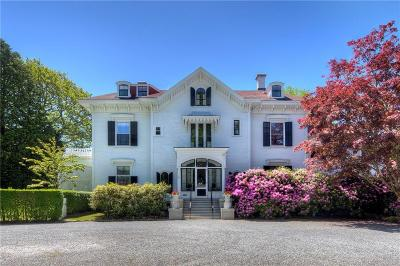 Newport Single Family Home For Sale: 21 Clay St