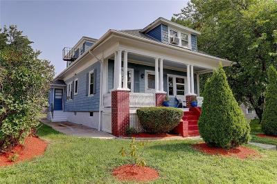 Barrington Single Family Home For Sale: 285 Maple Av