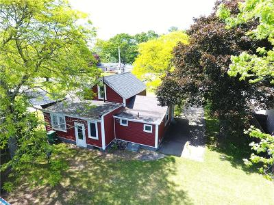 Warwick Single Family Home For Sale: 2856 Shore Rd