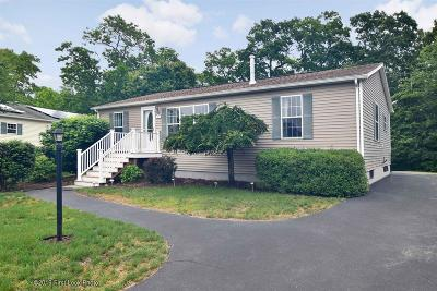 South Kingstown Single Family Home Act Und Contract: 68 Starlight Dr