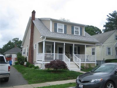 Cranston Single Family Home For Sale: 105 Myrtle Av