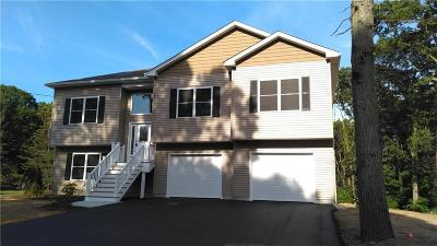 Cranston Single Family Home For Sale: 19 Charcalee Dr