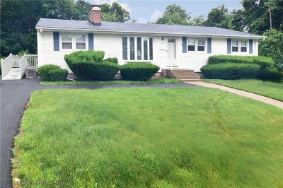West Warwick Single Family Home For Sale: 35 Glen Dr