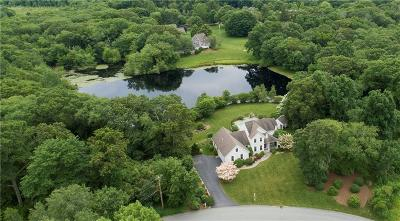 North Kingstown Single Family Home For Sale: 570 Glen Hill Dr