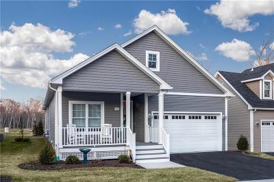North Kingstown Single Family Home For Sale: 196 Seawynds Dr