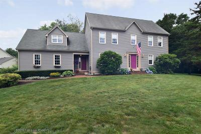 South Kingstown Single Family Home For Sale: 5 Deer Ridge Way