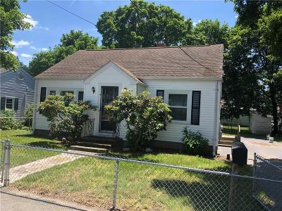 Smithfield Single Family Home For Sale: 9 Oliver St