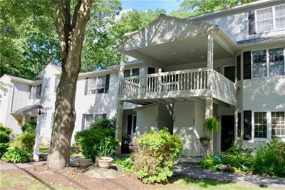 West Warwick Condo/Townhouse Act Und Contract: 125 Trellis Dr