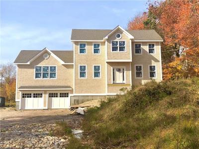 Narragansett Single Family Home For Sale: 600 Old Boston Neck Rd Rd