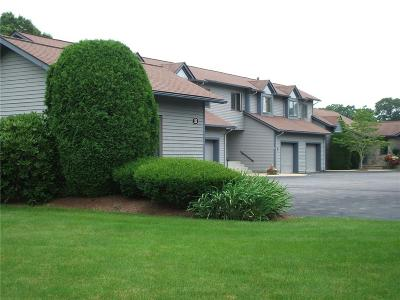 South Kingstown Condo/Townhouse For Sale: 260 Sweet Allen Farm Rd, Unit#b4 #B4