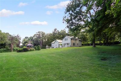 South Kingstown Single Family Home For Sale: 61 Torrey Rd