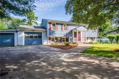 Warwick Single Family Home For Sale: 196 Stillwater Dr
