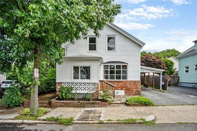 Pawtucket Single Family Home For Sale: 77 Boutwell St