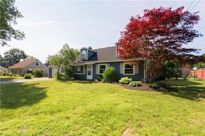 Barrington Single Family Home For Sale: 5 Fairfield Road