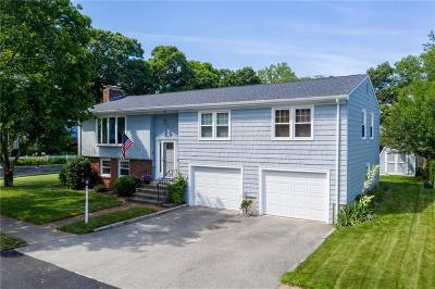 Cranston Single Family Home For Sale: 88 Betsey Williams Dr
