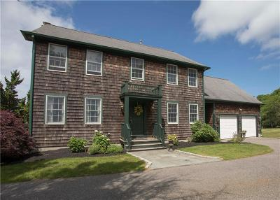Newport County Single Family Home For Sale: 121 King Charles Dr