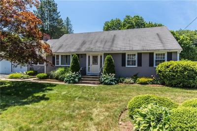 Smithfield Single Family Home For Sale: 12 Laurel Hill Dr