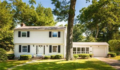 East Greenwich Single Family Home For Sale: 193 Grand View Rd