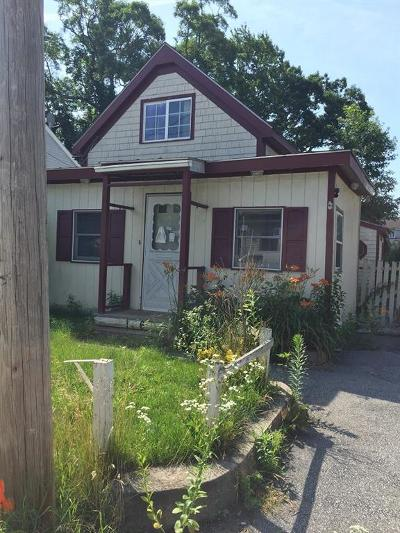 Warwick RI Single Family Home For Sale: $94,900