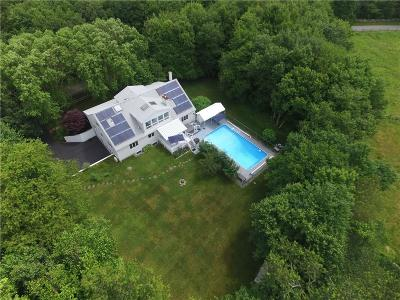 South Kingstown Single Family Home For Sale: 90 Meadow Tree Farm Rd