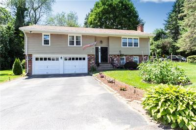 Smithfield Single Family Home For Sale: 18 Peach Blossom Lane