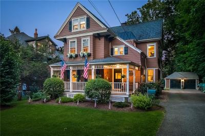 South Kingstown Single Family Home For Sale: 576 Main Street