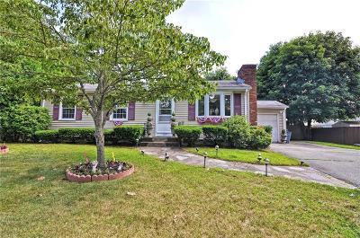 East Providence Single Family Home For Sale: 23 Grassy Plain Rd