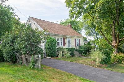 East Providence Single Family Home For Sale: 15 Moorland Av