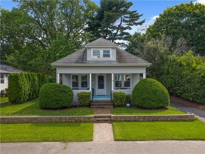 East Providence Single Family Home For Sale: 54 Thatcher St