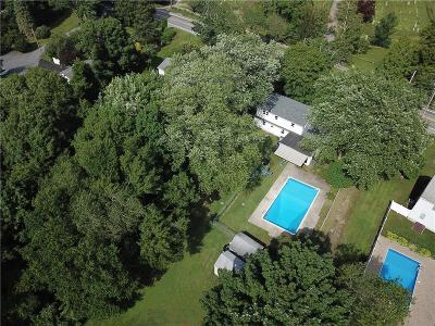 North Kingstown Single Family Home For Sale: 995 Tower Hill Rd