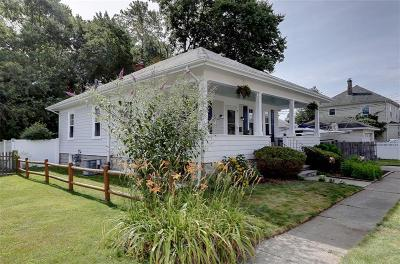 East Providence Single Family Home For Sale: 9 Somerset Av