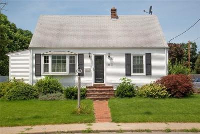 West Warwick Single Family Home For Sale: 22 Colonial Wy