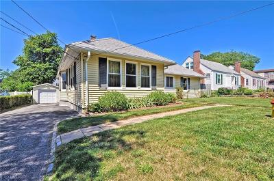 East Providence Single Family Home For Sale: 25 Armington Av