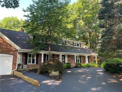 Cranston Single Family Home For Sale: 35 Holly Hill Lane