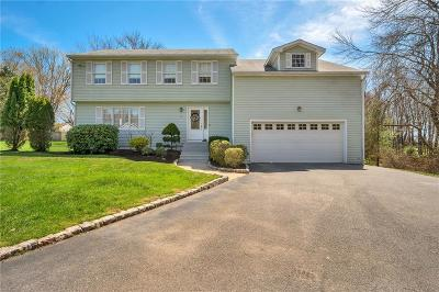 Cranston Single Family Home For Sale: 14 Mary Ann Dr