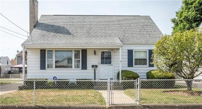 Pawtucket Single Family Home For Sale: 19 Cute St